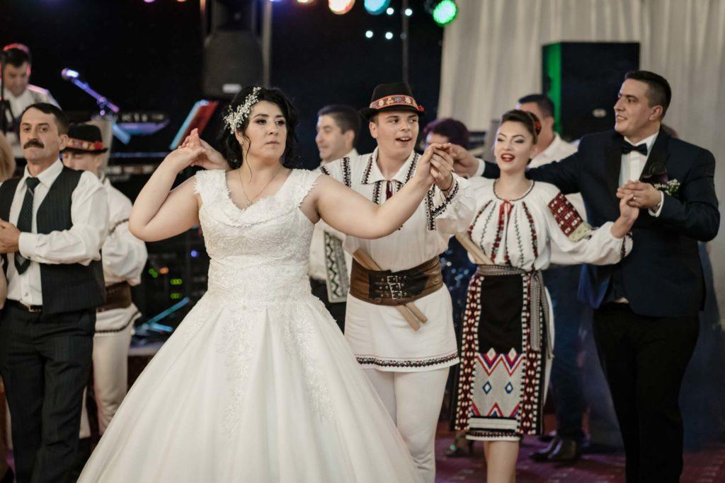 dans nunta